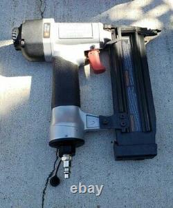 Cable Porteur Pcfp3kit 6 Gal. Compresseur D'air 150 Psi Avec 3 Pistolets À Ongles